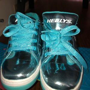 Blue chrome heelys!!